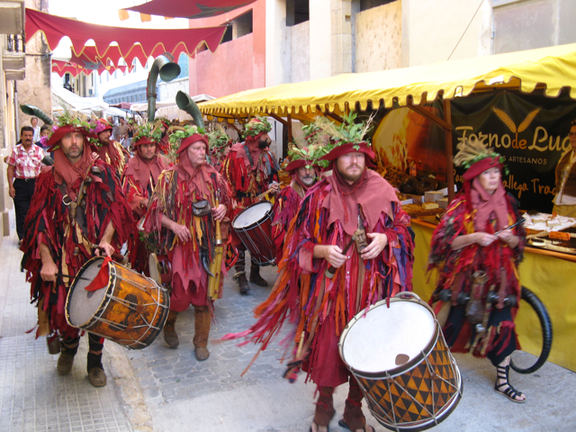 Festa als carrers de Tortosa.