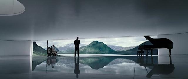 Escena inicial de Alien Covenant con Michael Fassbender