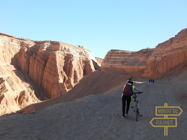 passeio de bike no Deserto do Atacama