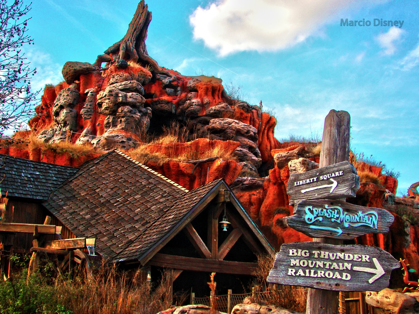 The Walt Disney World Picture of the Day: Splash Mountain Sign