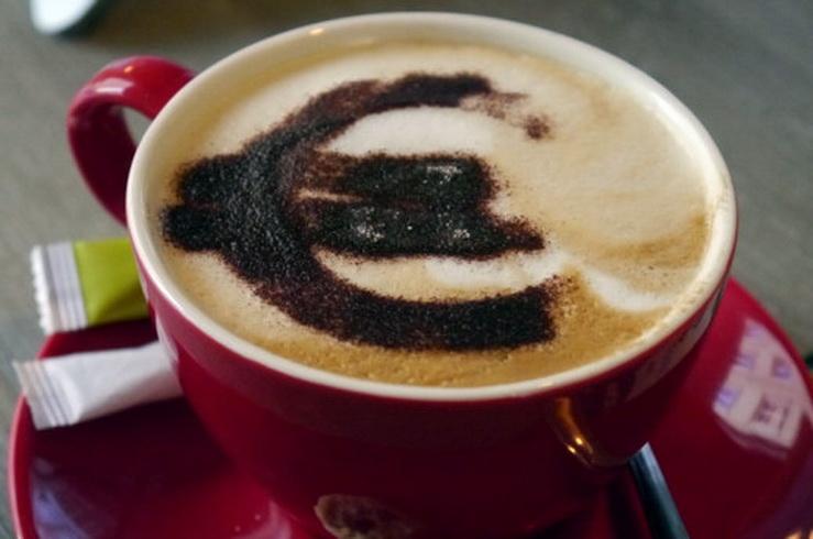 Νέος φόρος στον καφέ: Μεγάλο το ρίσκο, ποιο το όφελος;
