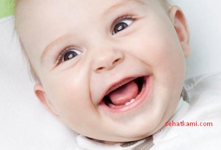 Tanda Tumbuh Gigi Pada Bayi