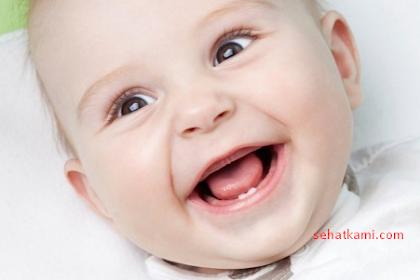 6 Tanda Tumbuh Gigi Pada Bayi Yang Harus Anda Kenali