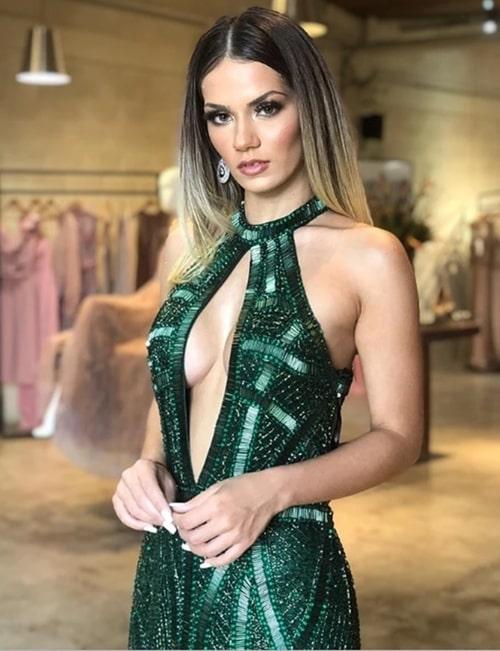 vestido de festa longo bordado verde esmeralda