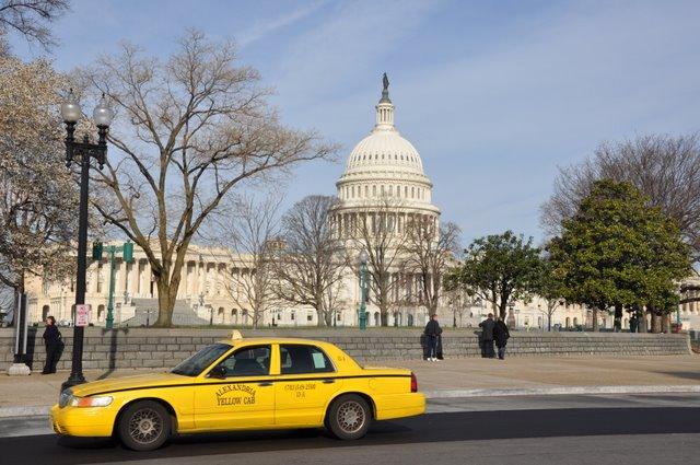 Do aeroporto de Washington até o centro turístico de táxi