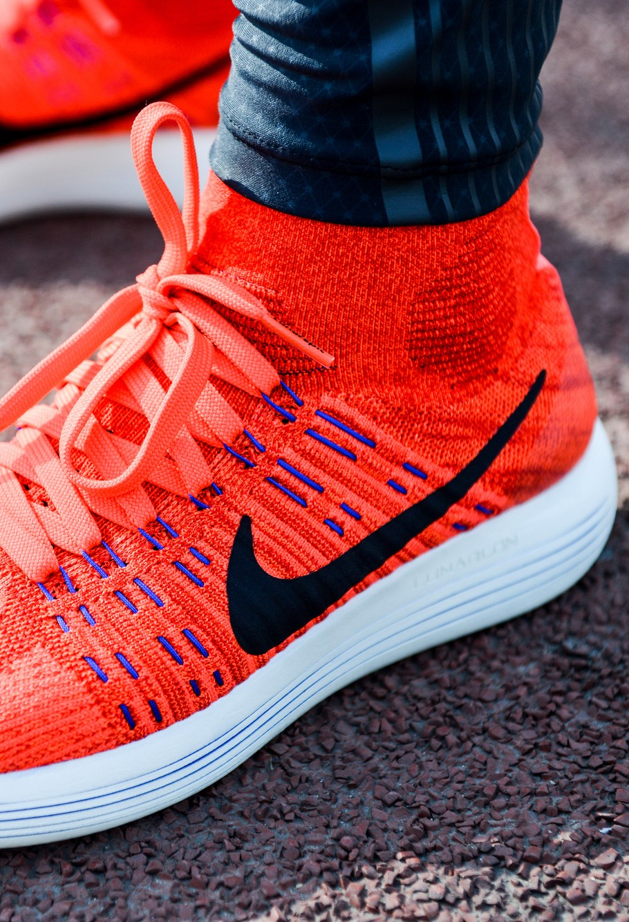 best website 6f561 9c1fa Nike LunarEpic Flyknit with a revolutionary high-top shoes to help design  and new production process for the runners to bring the ultimate fit, ...