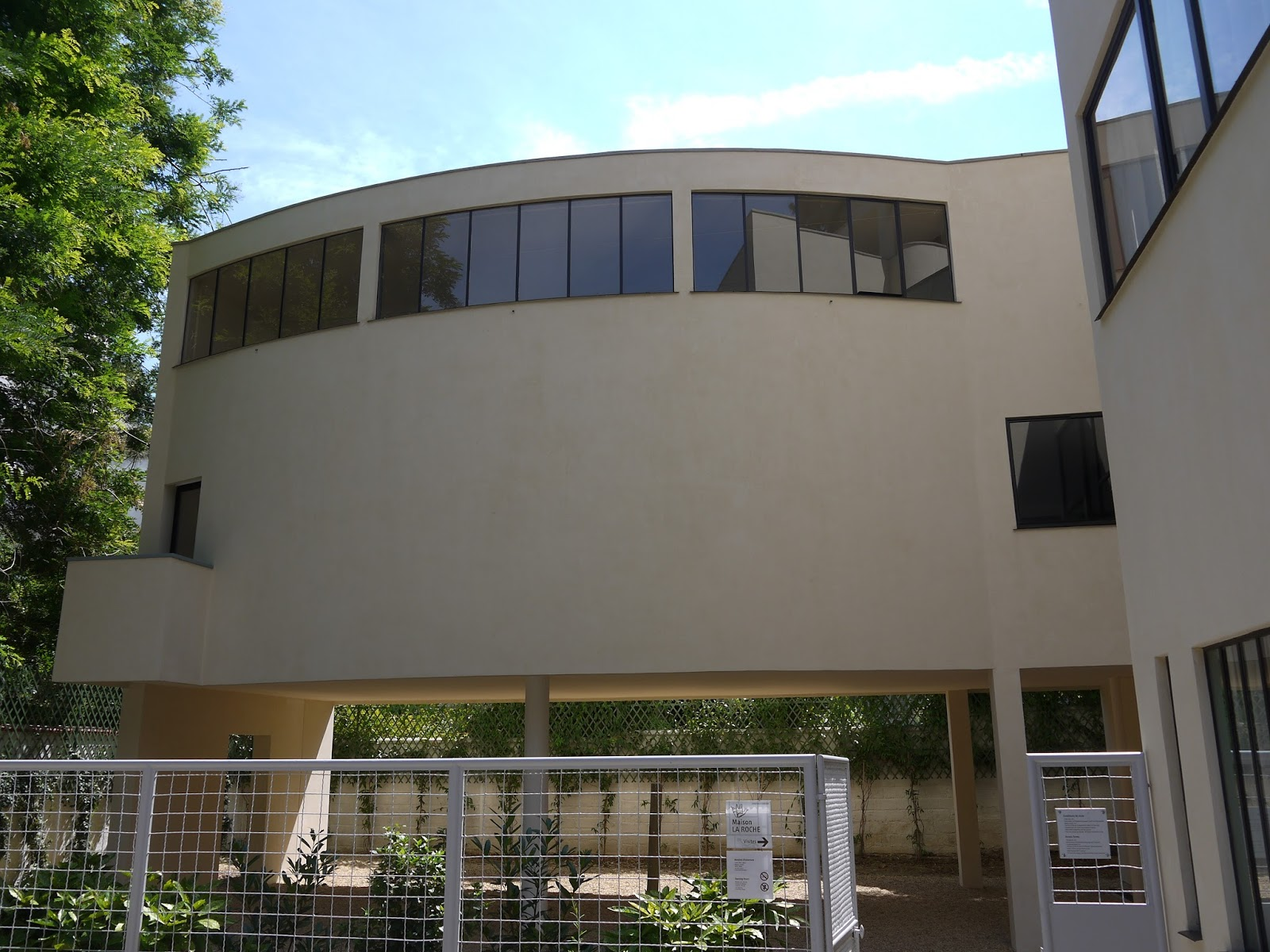Maison La Roche Corbusier Paris adrian yekkes: villa la roche - le corbusier's design for a