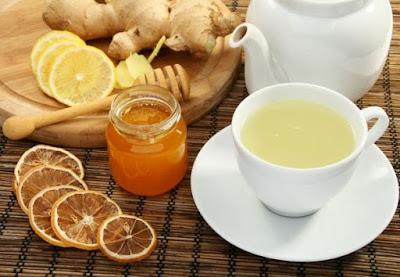 Uống trà gừng trị viêm họng