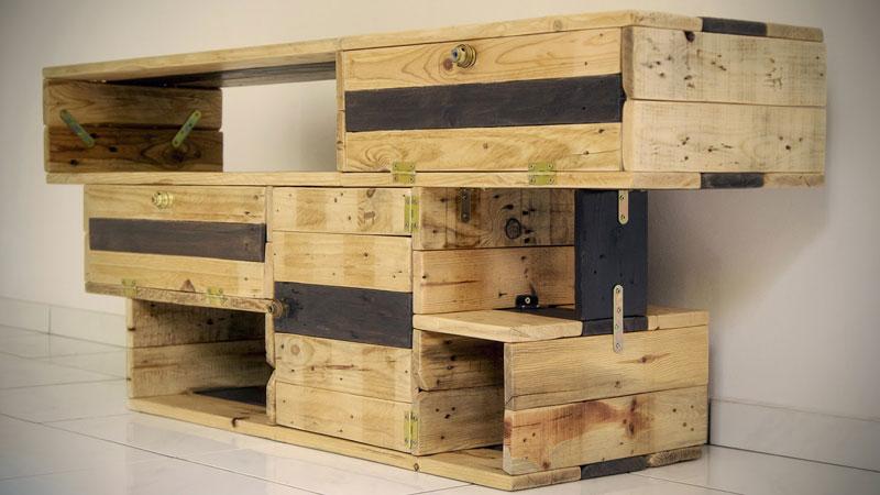 excelente mueble para la tv de recup design. Black Bedroom Furniture Sets. Home Design Ideas