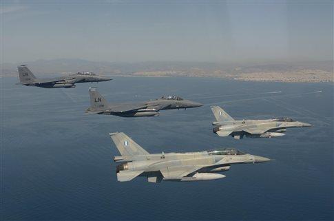 Ο Τσίπρας σε F-16, «πετά» πάνω από το Αιγαίο