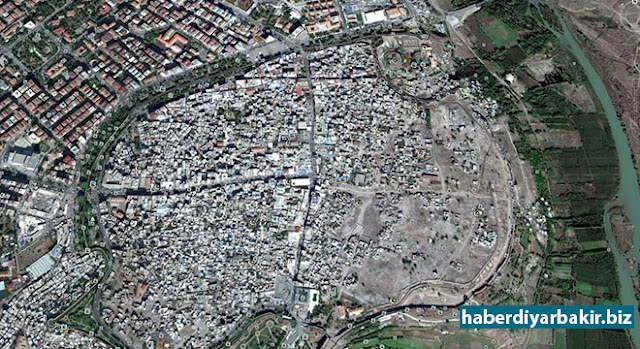 DIYARBAKIR-Photos of Diyarbakır's Sur district updated on 'Google Earth' where PKK barricaded and dig ditches then conflict took place and curfew was declared, and been on agenda for a long time.