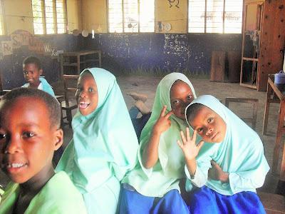 bambine musulmane scuola zanzibar