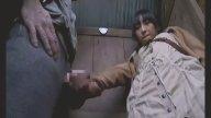 สาววัยรุ่นโดนไอ้หื่นฉุดเข้าไปเอาในห้องน้ำตอนวิ่งไปหลบฝน jav18+