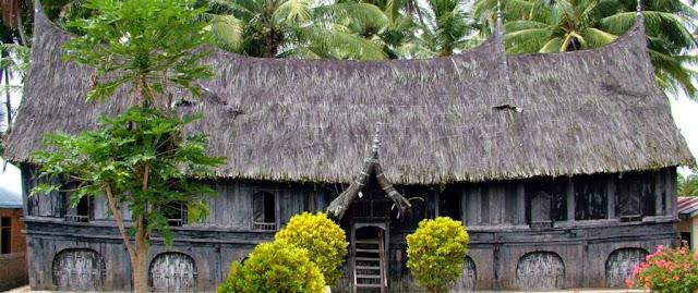 Arsitektur Ukiran Rumah Gadang Minangkabau
