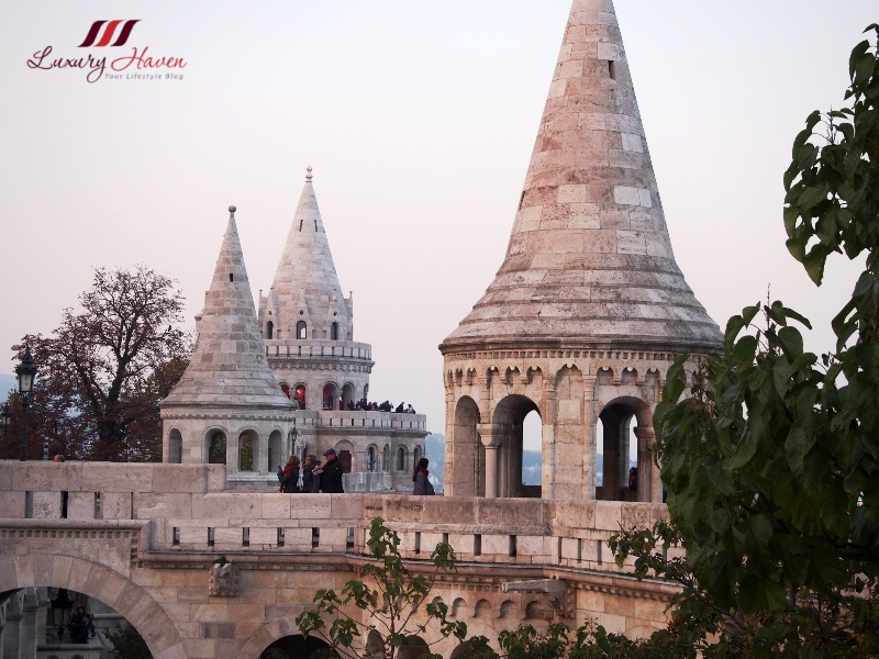 budapest sight seeing castle hill fishermans bastion