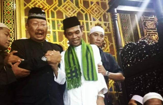Ceramah Ustadz Abdul Somad Di Hadiri Raja Bali, Yang Ribut Menolak itu siapa?