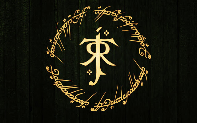 Monograma de J. R. R. Tolkien e inscrição do Um Anel
