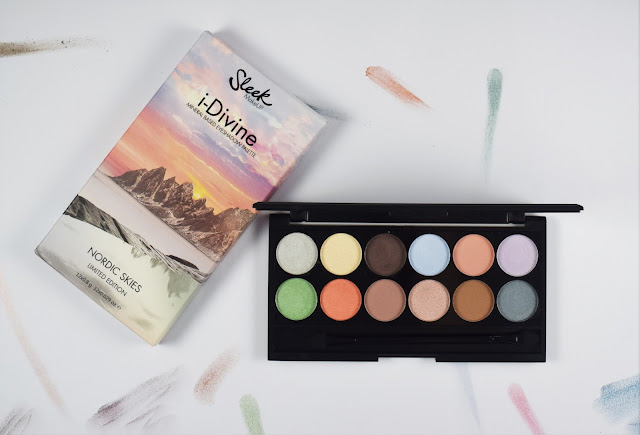 The Sleek i-Divine Nordic Skies Palette