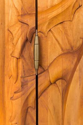 Escultura en madera tallada a mano