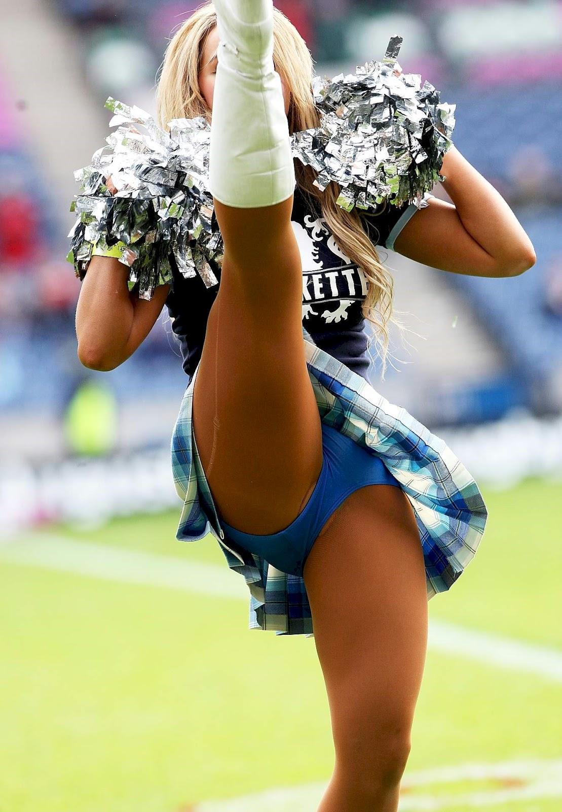 Cheerleaders upskirt