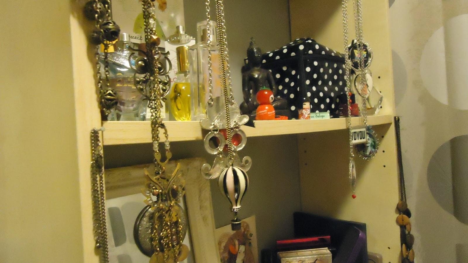 [Idées rangements] Femme à bijoux