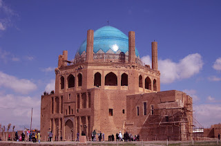 The brickworks and blue dome of Soltaniyeh.