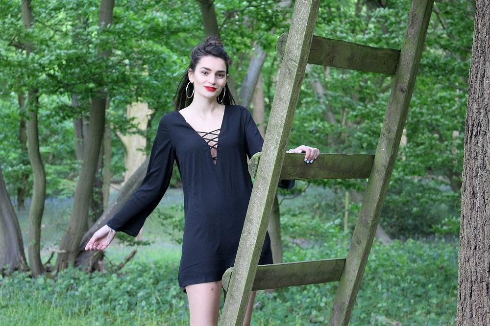 peexo-fashion-blogger-wearing-black-lace-up-dress