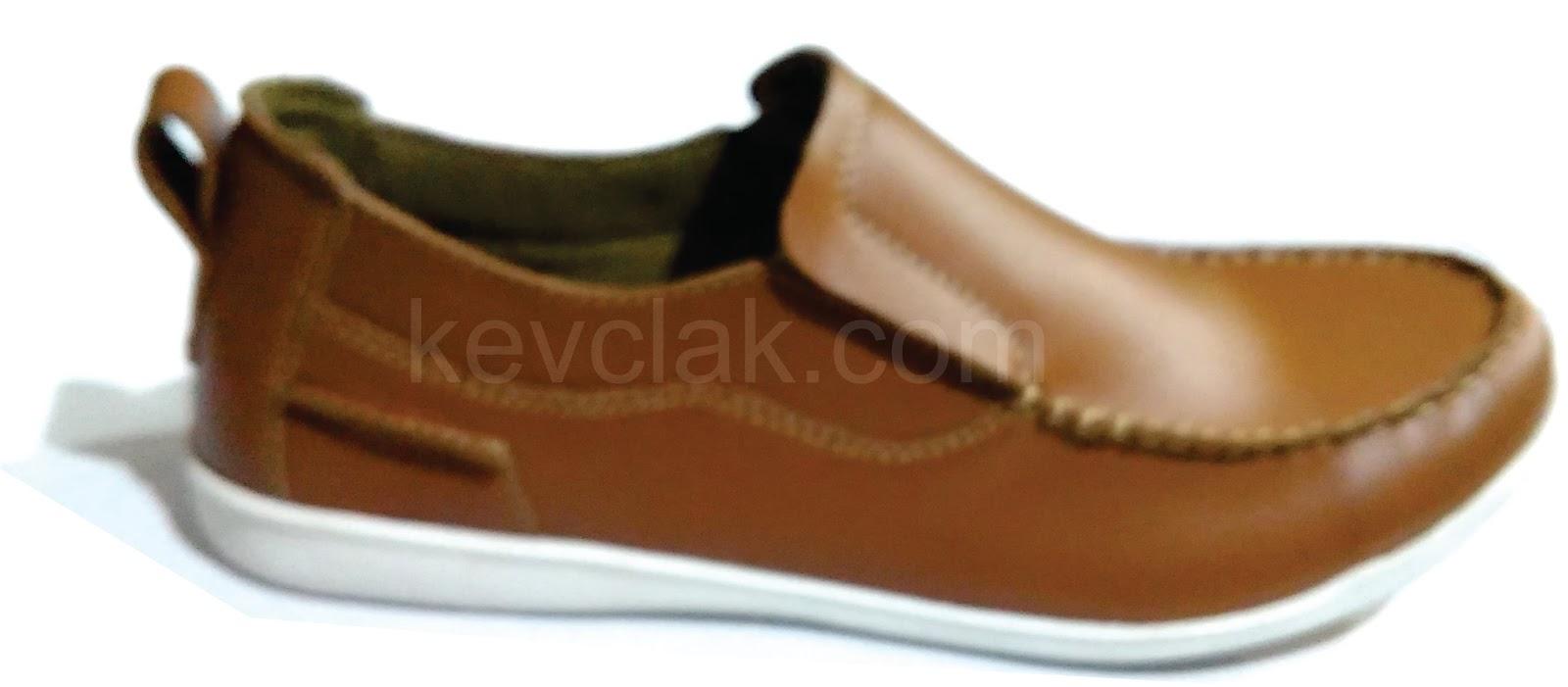 Sepatu Kulit casual slip on Mobilio Tan