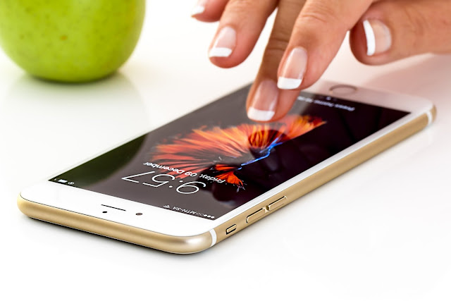 Iphone Finger Touch Ratina Display Smart Phone