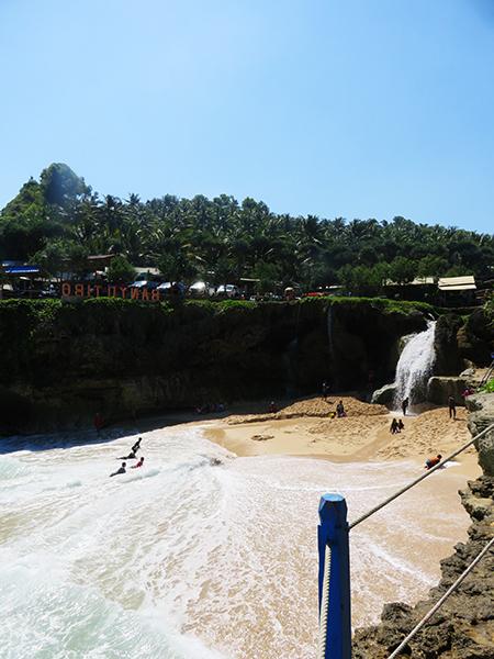 Pantai Banyu Tibo dari Sisi Barat