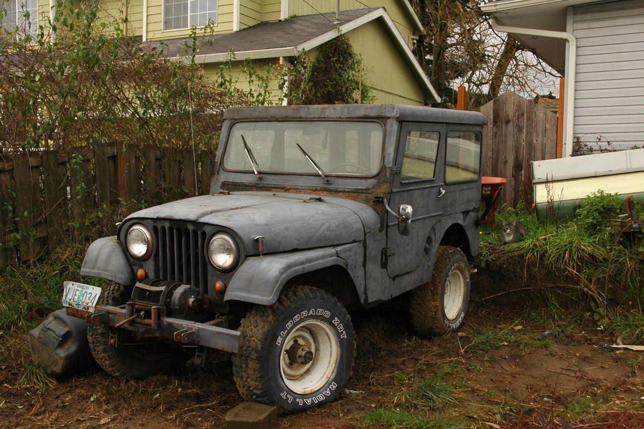 Postal Jeeps OLD PARKED CARS.: 1983 Jeep CJ-5.