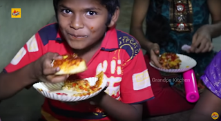 """مقادير أكبر بيتزا في الهند """" تحضيرها ليس للمتعة فقط بل لأسباب نبيلة سوف تأثر فيك """""""