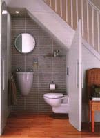 Ideas para ahorrar espacio debajo de la escalera baño