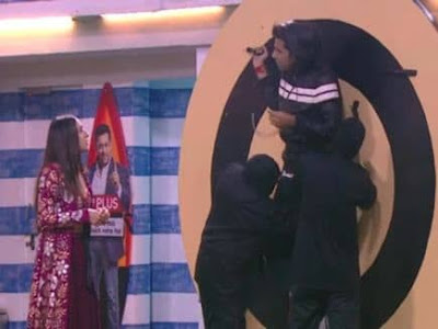 Bigg Boss 12- Romil Chaudhary rude behaviour with Sara Ali Khan