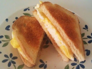 How to Creatively Make Egg Sandwich