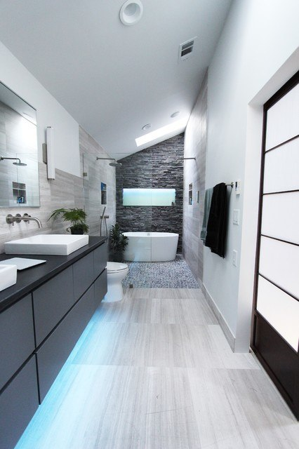 33 White Bathroom Color Decorating Ideas