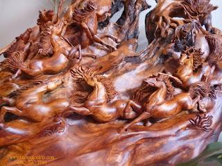 tranh gỗ hình ngựa