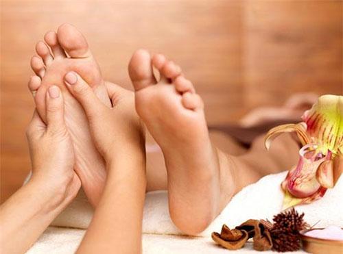 anh linh chia sẻ massage chân có tác dụng chữa bệnh