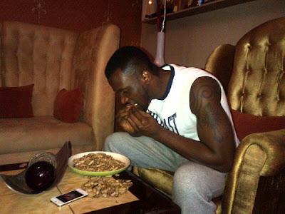 peter okoye psquare eating groundnuts