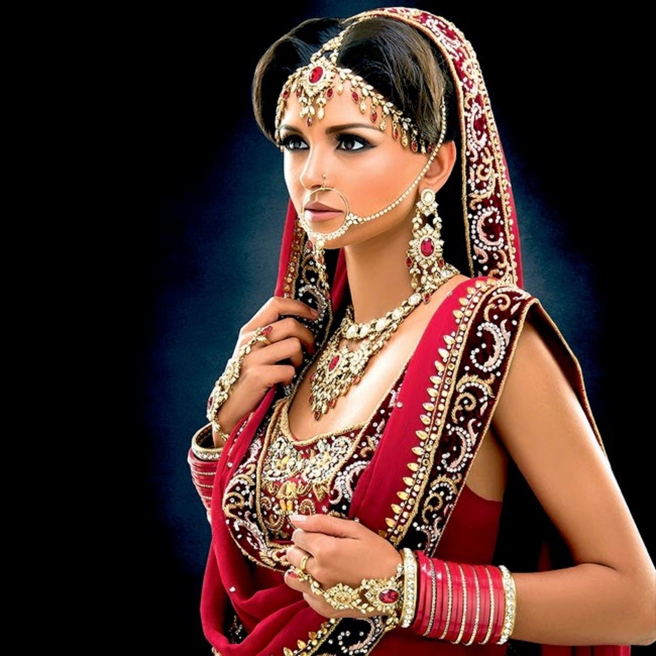 Bridal Jewelry Indian Wedding: Dynamic Views: Beautiful Indian Bridal Jewellery Set For