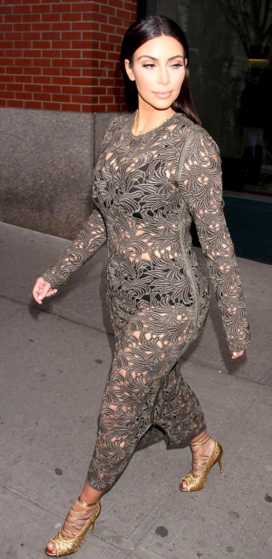 Kim Kardashian Showing Bared Huge Breast And Round Curvy