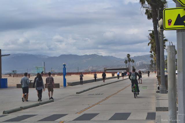 Katie Wanders Biking The Venice Santa Monica Bike Paths