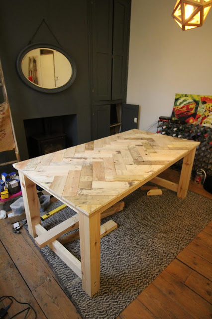 DIY Pallet Wood Table How To