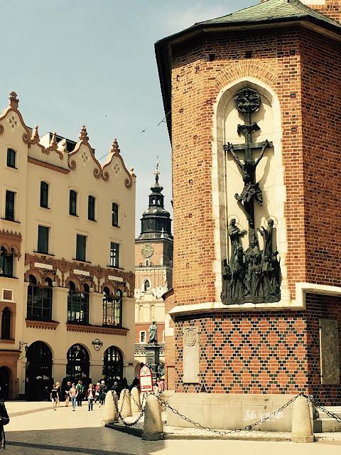 Santa María Cracovia exterior
