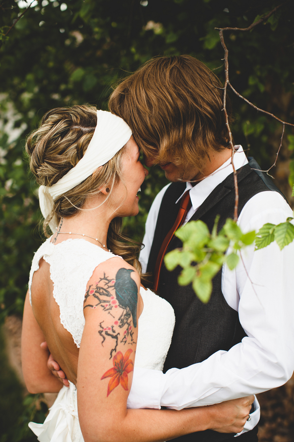 modern+youthful+boho+bohemian+tattoo+bride+tattooed+hippie+organic+eco+friendly+vintage+anthropolgie+wedding+yellow+mustard+white+bridesmaids+dresses+shabby+chic+outdoor+ceremony+reception+michael+liedtke+4 - Bohemian Rhapsody