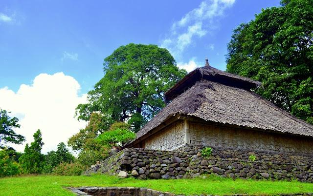 Wisata Religi Masjid Kuno Gunung Pujut Lombok Tengah