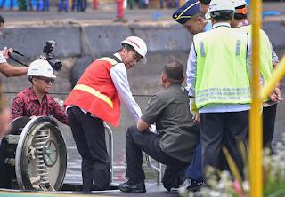 Presiden Jokowi Tinjau Kapal Selam buatan PT PAL Indonesia