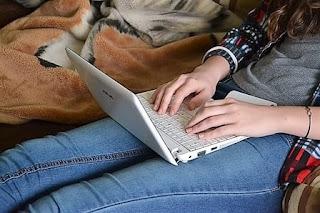 girl-women-watching-using-laptop-watch-video