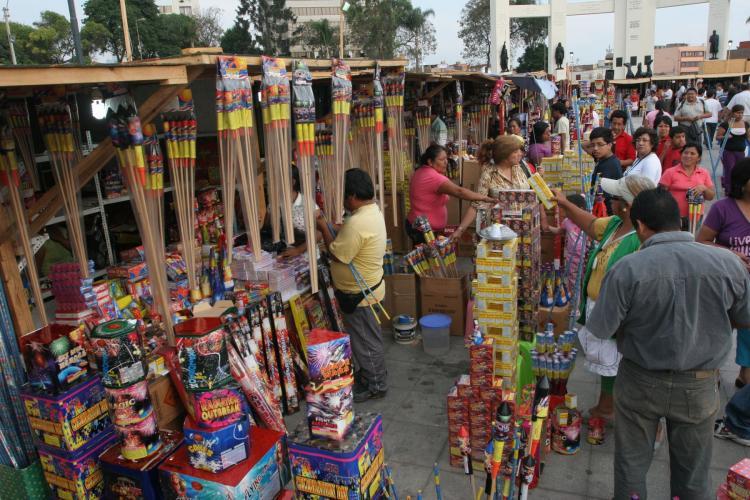 Sepa Donde Comprar Fuegos Artificiales Pirotecnicos En Lima Y