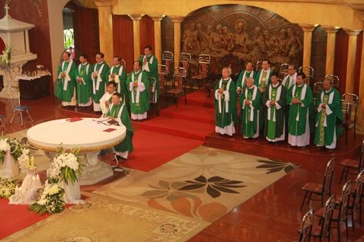 Ngày thứ Ba: Kính viếng và cầu nguyện cho Đức cha Phanxicô Xaviê Nguyễn Văn Sang - Ảnh minh hoạ 29